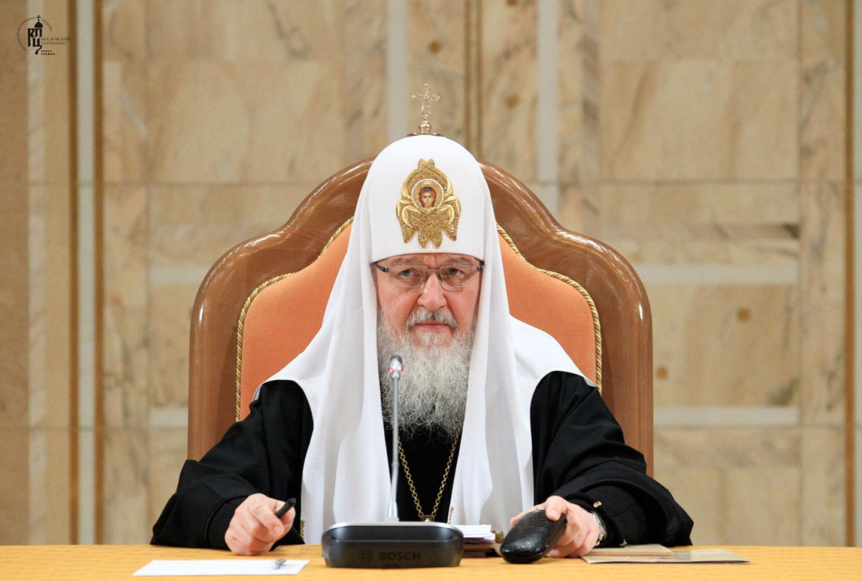 Патриарх Кирилл благодарит Бенедикта XVI за твердость и смирение