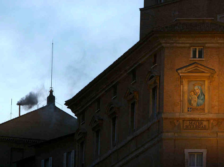 Черный дым в Ватикане