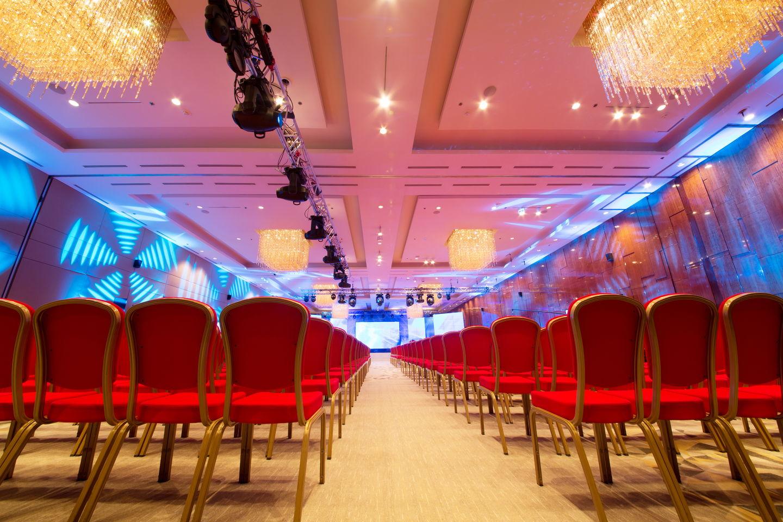 Великолепная десятка постоянных посетителей христианских конференций
