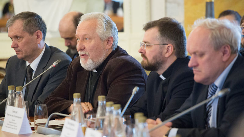 В итоговый документ V Пленума ХМКК вошёл целый ряд тезисов представленных служителями РОСХВЕ