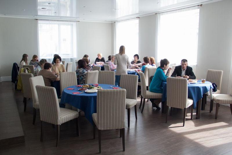 Пастор Михаил Дарбинян устроил званый обед для служителей хосписа