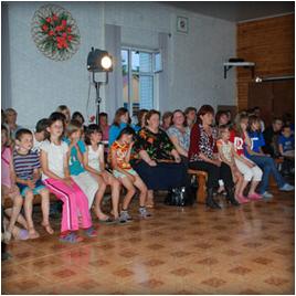С благой вестью и подарками через всю Россию