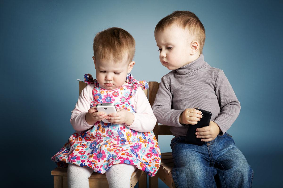 Готов ли ваш ребенок к мобильному телефону?