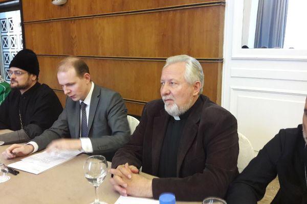Епископ Сергей Ряховский принял участие в круглом столе по оказанию гуманитарной помощи Сирии, который прошел в Бейруте