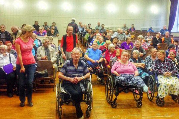 Томские христиане провели концерт в доме инвалидов «Лесная дача»