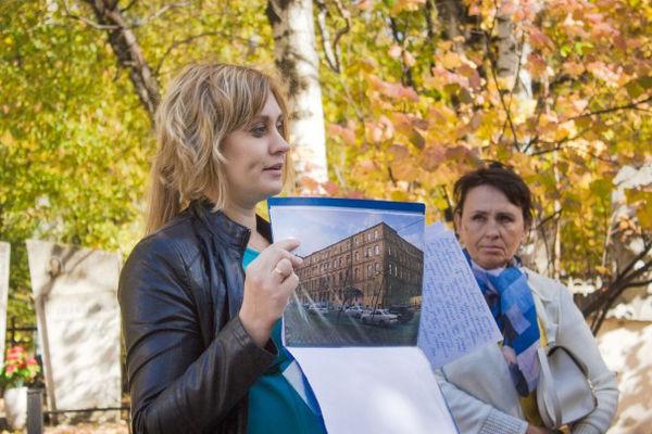 Христиане Хабаровска провели экскурсию к памятнику жертвам политических репрессий