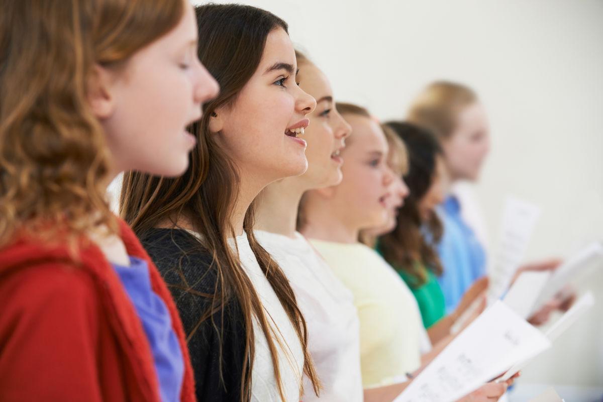Зачем петь больше старых гимнов