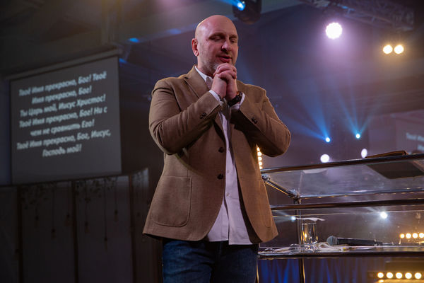 Епископ Сергей Ряховский проповедовал на конференции в Новосибирске